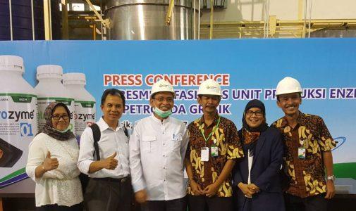 Produksi Massal Enzym Hasil Penelitian Prof.Dr. Ni Nyoman Tri Puspaningsih,M.Si.