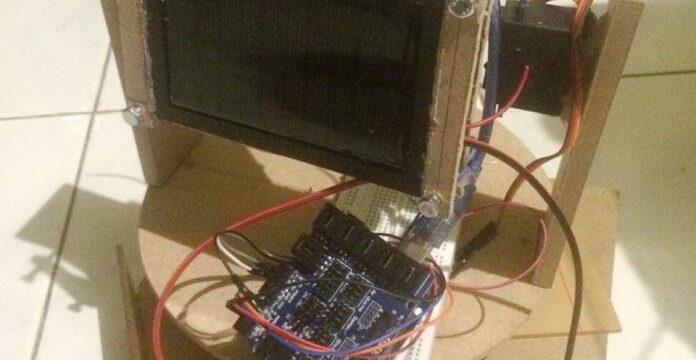 Mahasiswa UNAIR Temukan Alat Memaksimalkan Listrik dengan Energi Radiasi Matahari